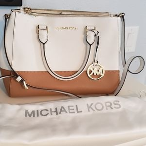 Large MK Satchel Italian Leather with wallet